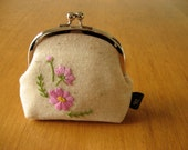 Hand Embroidered Cosmos Kisslock Snap Frame Pouch