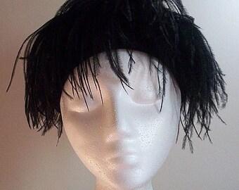 Mod 1960s Vintage Marabou Feather Hat