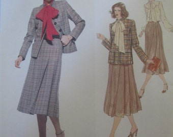 Vogue Paris Original 1970 Pattern for 70s Womens Jacket Skirt Blouse by Pierre Balmain Bust 36
