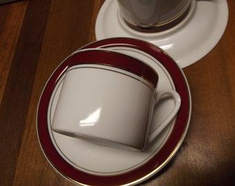 Cappuccino Cups Homeworld  Prestige 4 porcelain burgundy gold white