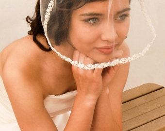 Tulle Blusher Wedding Veil with Rosebud Lace Trim - Tiny Veil - Birdcage Veil - Short Veil - Simple Wedding Veil -  Milan