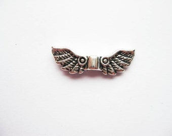SALE - 8 Angel Wing Beads / Charms in Silver Tone - C1764