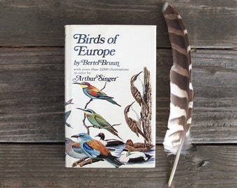 Vintage 1970 Birds of Europe Guide Book / Bird Guide Book