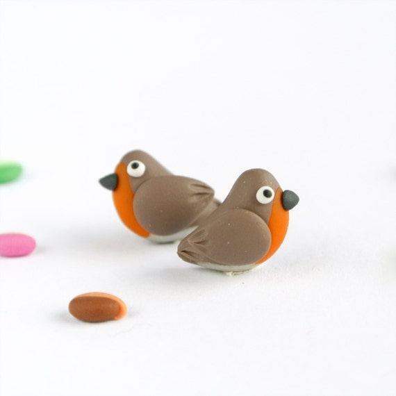 Robin post earrings - Fun jewelry - Cute bird studs in orange and beige - British garden birds