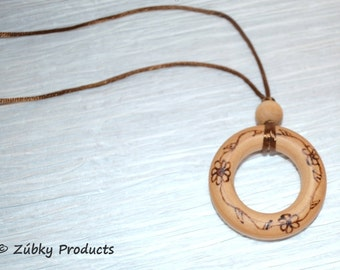 "Wooden Teething Necklace by Zúbky- Natural Wood Jewelry for Nursing Breastfeeding Babywearing Mommy "" Daisy Chain"""
