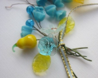 Vintage Glass Turquise And Yellow Flowers On Wire