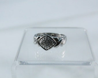 925 Sterling Silver Diamond Shape Design Ring - Size 7