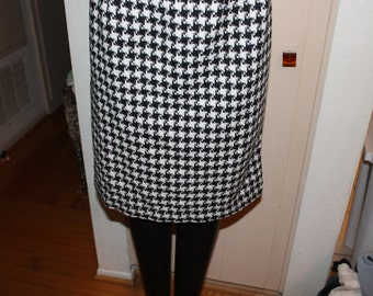 vintage houndstooth high waisted knee length skirt zipper up rear