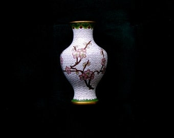 small cloisonne vase in white