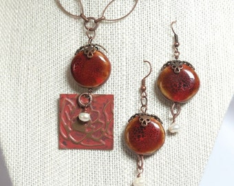 Rust-Colored Necklace and Earrings Set with Fresh-Water Pearls