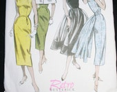 Retro 1952 Butterrick Sewing Pattern Dress with Capelet  B5032 Uncut