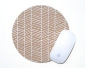 Herringbone Mouse Pad / Chevron Maple Brown Tan and White / Round Mousepad / Office Home Decor