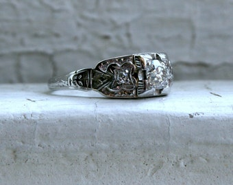 Vintage Floral 18K White Gold Diamond Engagement Ring - 0.39ct.