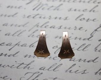 Mid Century 14K Retro Yellow Gold Pierced Post Earrings