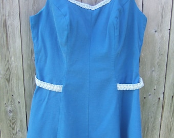 VTG Swim Suit Top, Blue and White, Lace, Built in Bra, Zip Up Back