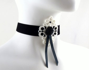 Lolita Choker Necklace in Black Velvet and White Lace - Roses and Ribbons - Romantic, Boudoir, Jewelry, Necklace, Romance, Women