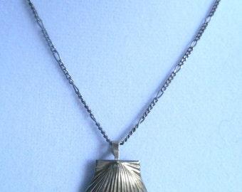 Vintage Necklace Seashell Sterling
