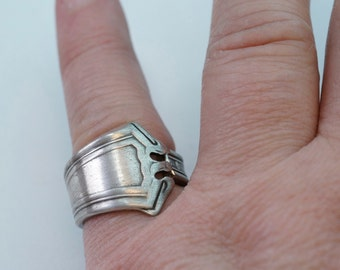 silver SPOON ring. size 6 spoon ring. antique. small . band. spoonjewelry No.00216