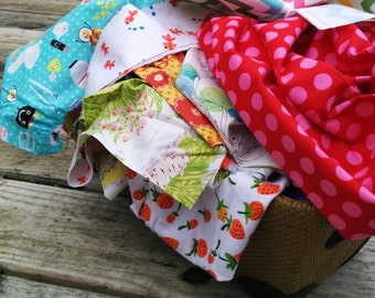 A Pound o' Scraps - Scrap Bag - Approximately 3 Yards of Fabric By Weight - Fat Quarter, Fat Eighths and Bolt Ends