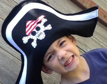 Pirate hat. Felt Black Pirate hat. Felt pirate hat for children's costume. Pirate Party.