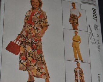 McCalls 8807 Misses Shirt Top Pull on Pants and Shorts Sewing Pattern - UNCUT - Sizes 10 12 14