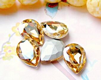 Champagne Jewels, 8 pcs 18mm x 13mm Peardrop Vintage Glass Jewels, Rhinestone Destash, Jewelry Supplies, Jewellery Supplies, Sweetystuff