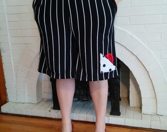 Retro 1980s Black Striped Bermuda Shorts/Coolots/Culottes with Abstract Hello Kitty Design