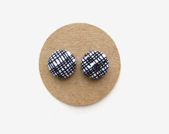 Black and White Fabric Button Earrings, Fabric Covered Earrings, Button Earrings, Black and White, Stud Earrings