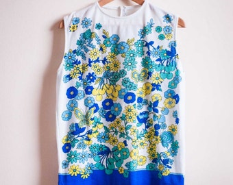Vintage 1960s Top in White with Green and Blue Flowers and Butterflies UK14
