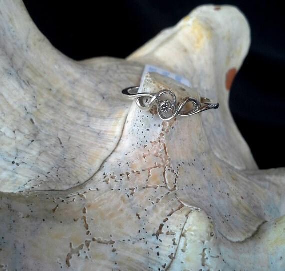 Platina 4 (P4) and Diamond Promise Ring (st - 737)
