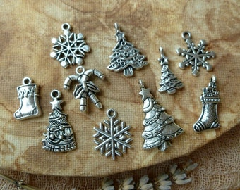 10x Christmas Charms Collection, Mix Antique Silver Pendants c59