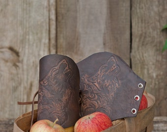 Leather Cuffs - The Wolf Carving Leather Cuffs Bracers
