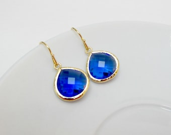 gold cobalt blue earrings , gold blue drop earrings , blue bridesmaids earrings , wedding jewelry , bridesmaids gifts , cobalt blue dangle