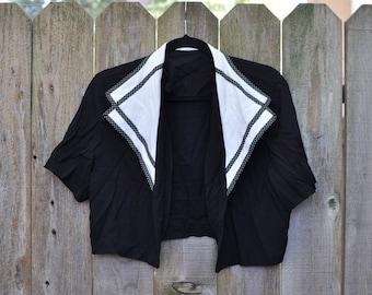 1980s Plus Size Vintage Size 16 Black and White Polka-dot Accented Short Sleeved Shrug