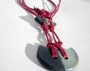 macramé necklace and raku - europeanstreetteam - rakulabfly