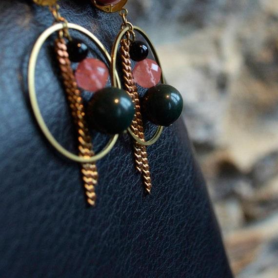 Boucles d'oreille Vertes Roses Noires - Chaine Vintage et Perles à Facettes - Cadeau de Noël