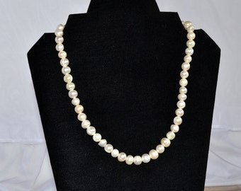 White Freshwater cultured pearl strand necklace