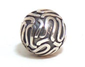 Bali Round Bead, Size: (11.5 x 11.5 x 11.5)mm. Made from sterling silver with antique finish. 1151