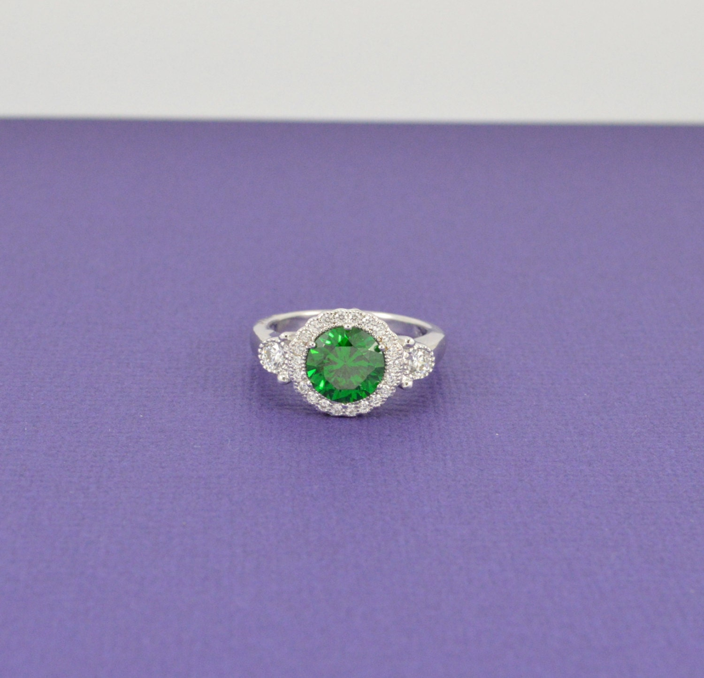 green emerald ring brilliant solitaire ring cz halo