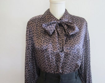 Vintage 60s Blouse / 1960s Mad Men Shirt / Necktie Secretary Top / Medium M