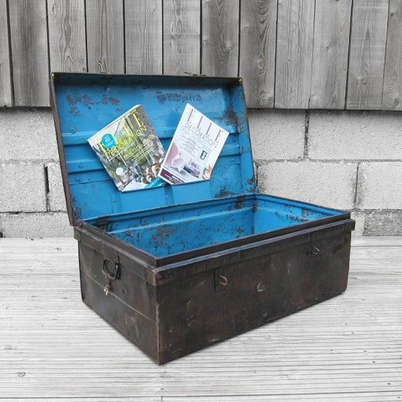 Antique 1920s Vintage Metal Industrial Old Trunk Coffee Table Display Box Chest Blue Black Finished  Lacquered  Ready For Use