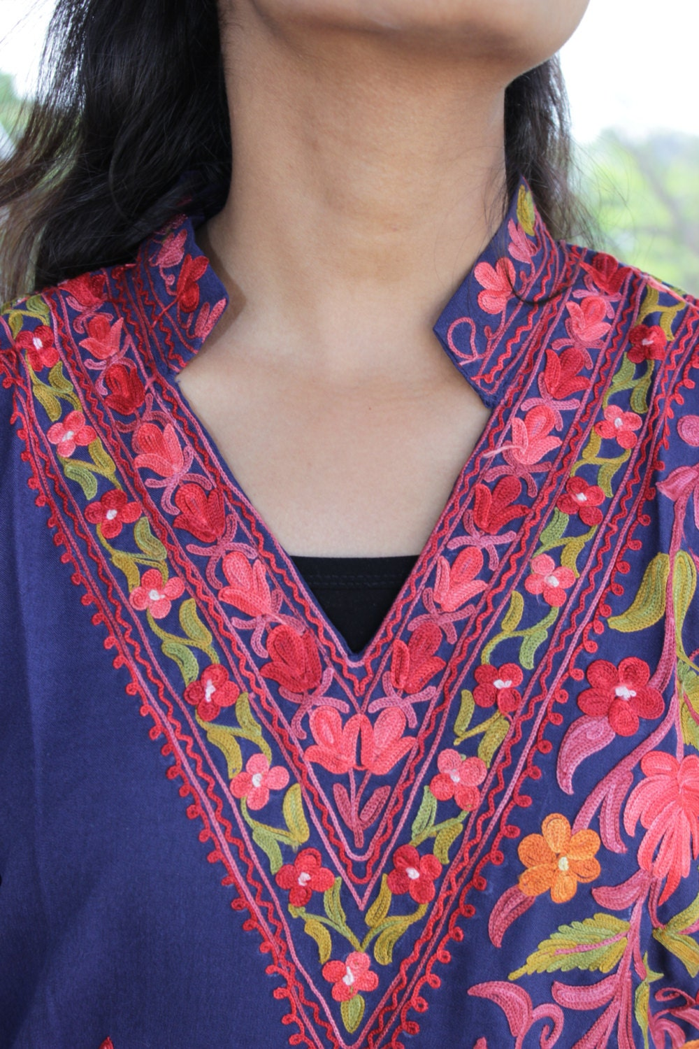 how to make hand embroidery designs on clothes