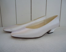 Vintage 80s Wedding Bridal Ivory White Off Satin  Ladies Shoes Heels Size 38 Bridesmaid