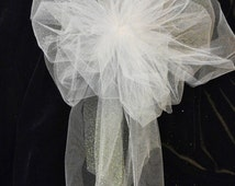 Wedding Pew Bows, White Or Any Color You Choose, Tule Bows With Streamers, Wedding Decorations, Church Pew Bows, Party Bow, Package Bow