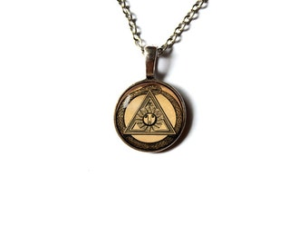 Occult pendant  Magic jewelry Esoteric symbol charm Vintage style NW55