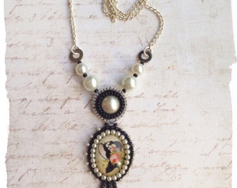 Cameo Silhouette necklace