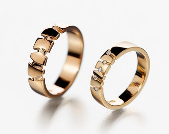 unique yellow gold engagement ring textured wedding band. Black Bedroom Furniture Sets. Home Design Ideas