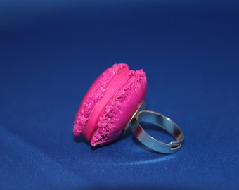 Handmade Pink Macaron Ring, Polymer Clay jewelry, kawaii cookie jewelry, miniature dessert jewelry, realistic food jewelry,