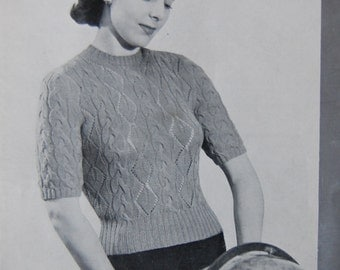 Vintage 1940's Knitting Pattern - Woman's Short Sleeved Cable Knit Sweater / Jumper / Top - 2 Ply - Patons 424