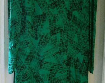 Semi-long printed abstract green and black dress T36